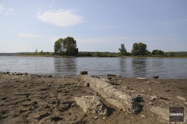 Le niveau du réservoir Choinière était suffisamment bas... (Julie Catudal, La Voix de l'Est)