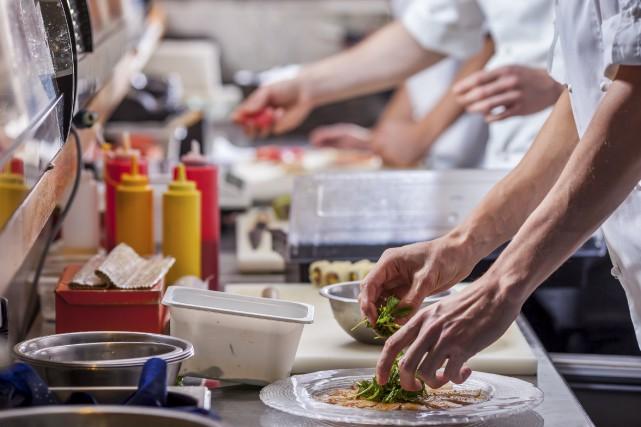 L'incident dans un restaurant de Sherbrooke a ramené... (123rf)