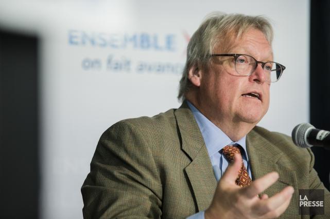 Le ministre de la Santé et des Services... (La Presse, Edouard Plante-Fréchette)