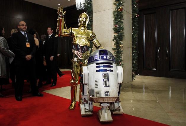 Kenny Baker a incarné le petit robot R2-D2... (AP, Matt Sayles)