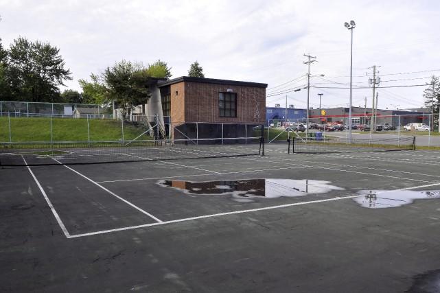 Les nouveaux terrains de tennis seront situés à... (Photo Le Progrès-Dimanche, Rocket Lavoie)