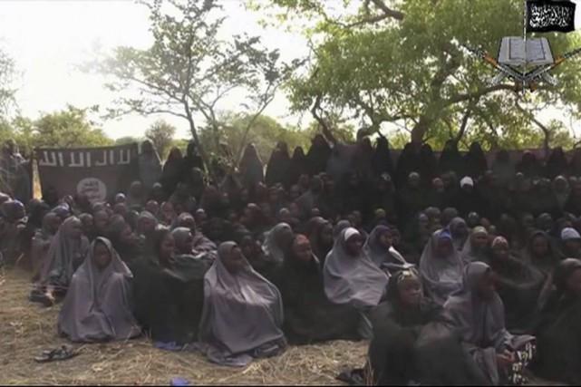 Les présumées lycéennes enlevées par Boko Haram, dans... (IMAGE ARCHIVES ASSOCIATED PRESS)