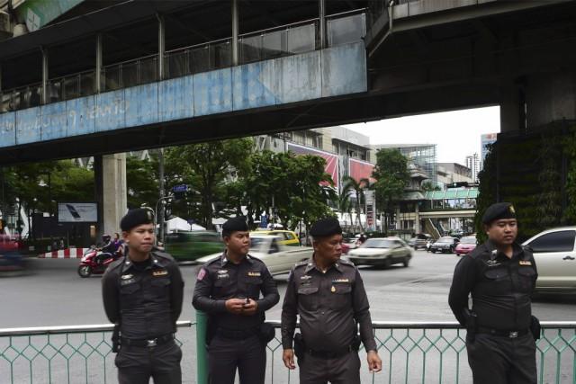 Trois potentiels suspects étaient interrogés dimanche en Thaïlande dans le... (Photo Munir Uz Zaman, Agence France-Presse)