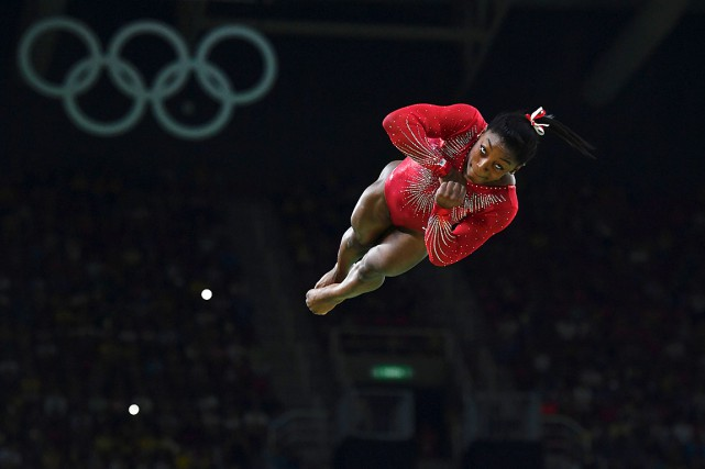 Simone Biles... (PHOTO BEN STANSALL, AFP)