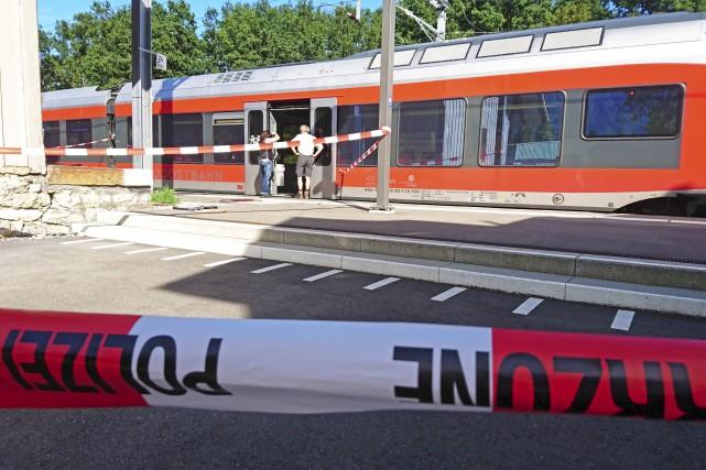Le train dans lequel s'est produit l'agression, qui... (AFP, Beat Kaelin, newspictures.ch)