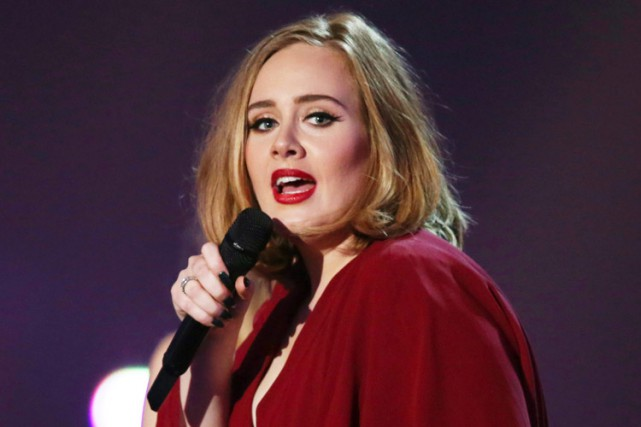 Adele... (PHOTO AP)