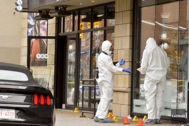 Un homme a été tué par balle dans une boîte de nuit du centre-ville d'Ottawa... (Martin Roy, LeDroit)