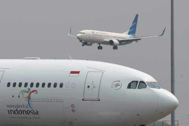 «Les deux pilotes ont été suspendus de leurs... (Agence France-Presse)
