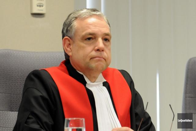 Le juge Michel Boudreault est exaspéré des délais... (Archives Le Quotidien, Rocket Lavoie)
