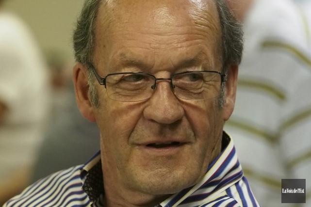 Le président de la SACS, Marcel Bundock.... (archives La Voix de l'Est)