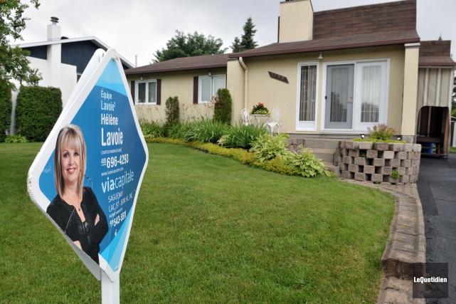 Les ventes immobilières ont baissé de 6% au... (Archives Le Quotidien, Rocket Lavoie)