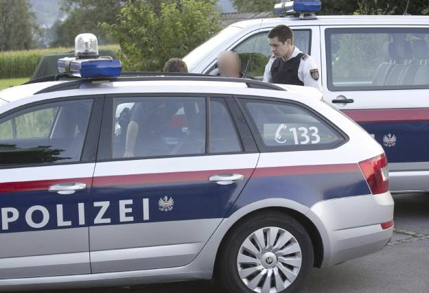 Les policiers autrichiens ont arrêté un suspect. L'homme... (AFP, Dietmar Mathis)