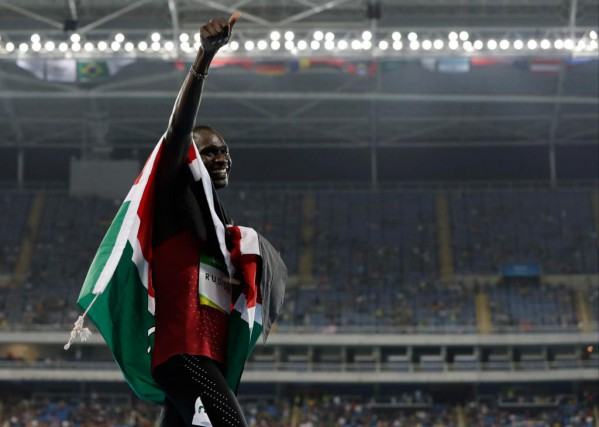Après Londres en 2012, le Kényan David Rudisha... (Photo Natacha Pisarenko, Associated Press)