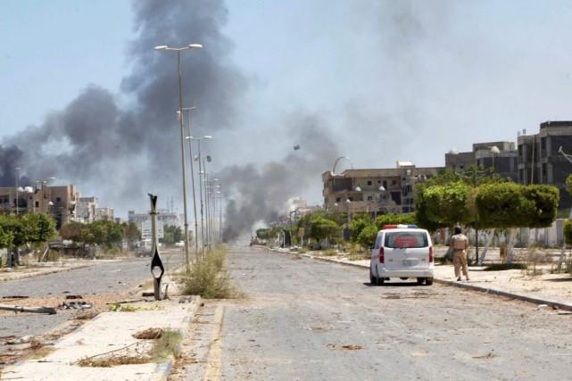 Les forces pro-GNA ont lancé mardi matin une... (PHOTO ISMAIL ZETOUNY, REUTERS)