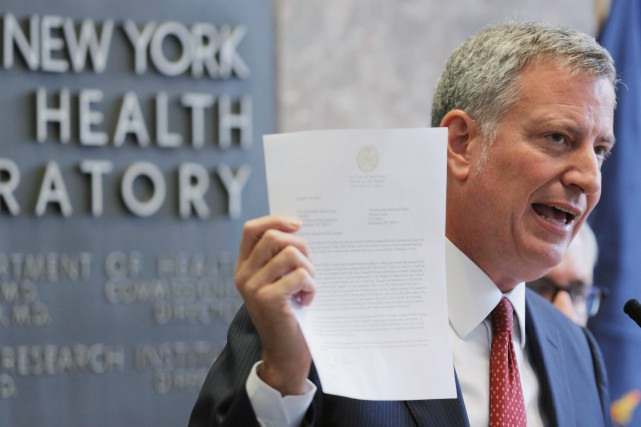 Le maire de New York Bill de Blasio... (PHOTO Lucas Jackson, REUTERS)