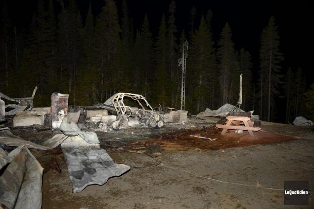 Les ravages causés par l'incendie... (Photo Le Quotidien, Jeannot Lévesque)