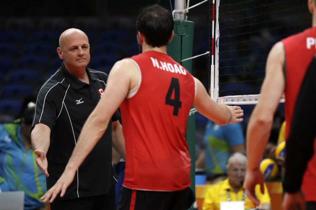 Glenn Hoag et l'équipe canadienne de volleyball ont... (AP)