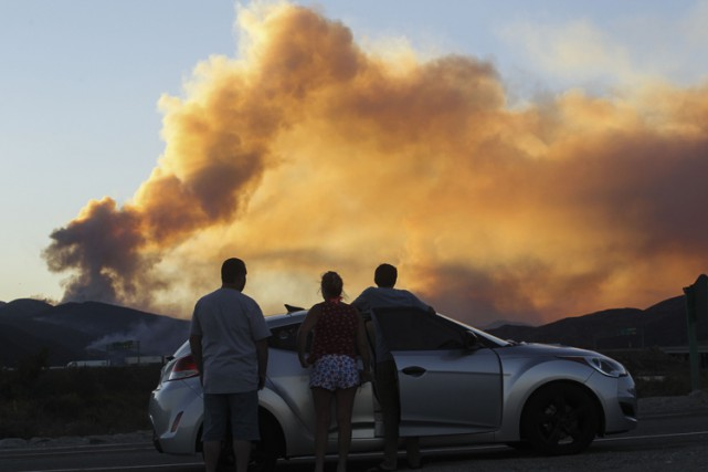 La saison des incendies bat son plein en... (PHOTO AFP)