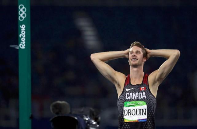 Derek Drouin,ce grand gars de Sarnia, Ontario, est... (PhotoKai Pfaffenbach, Reuters)