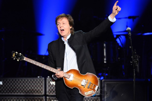Paul McCartney travaille à un nouvel album en studio, révèle mercredi la maison... (PHOTO ARCHIVES AFP)