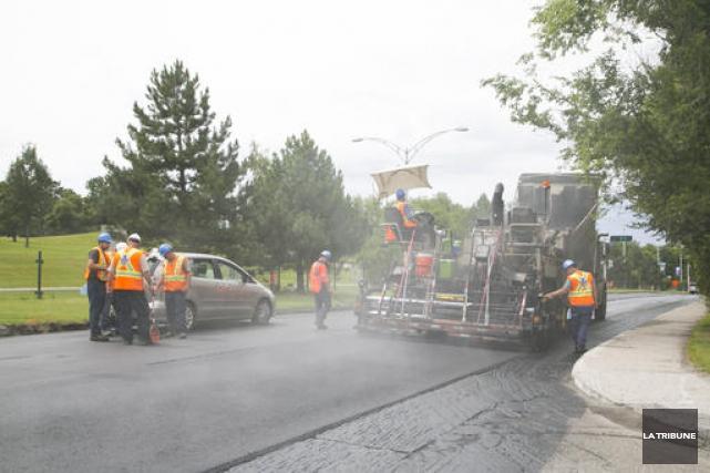 La Ville de Sherbrooke pourra procéder au resurfaçage d'un plus grand nombre de... (Archives La Tribune)