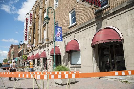 Le propriétaire de l'Hôtel Wellington devra sécuriser la façade de son...