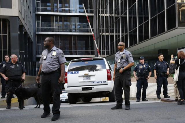 Donald Trump s'est rendu dans les locaux du... (PHOTO AP)