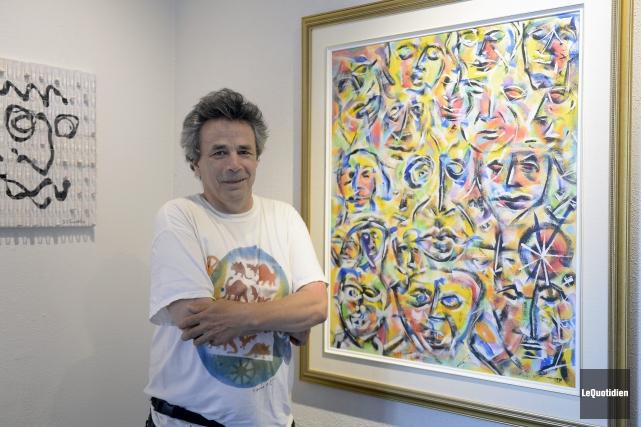 Daniel T. Tremblay a créé cette toile en... (Photo Le Quotidien, Jeannot Lévesque)