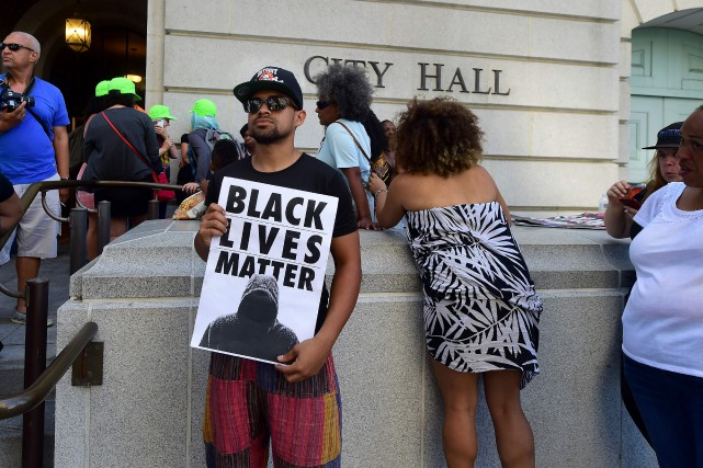 Depuis plus d'un mois, Black Lives Matter (BLM),... (Photo Frederic J. Brown, archives Agence France-Presse)