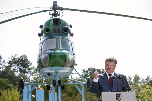 Petro Porochenko... (PHOTO REUTERS)