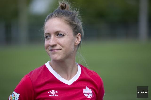 Josée Bélanger, membre de l'équipe féminine de soccer... (Archives La Tribune, René Marquis)