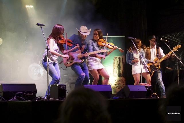 À l'enseigne de la musique country, le Thetfordois... (La Tribune, Nelson Fecteau)