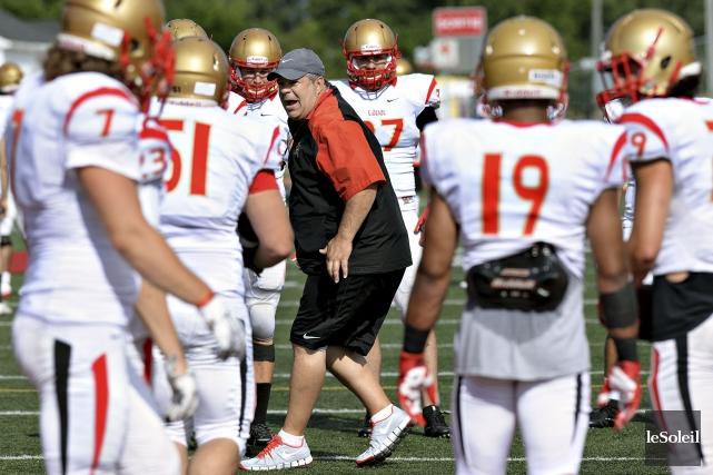 L'entraîneur-chef du Rouge et Or, Glen Constantin, aura... (Le Soleil, Patrice Laroche)