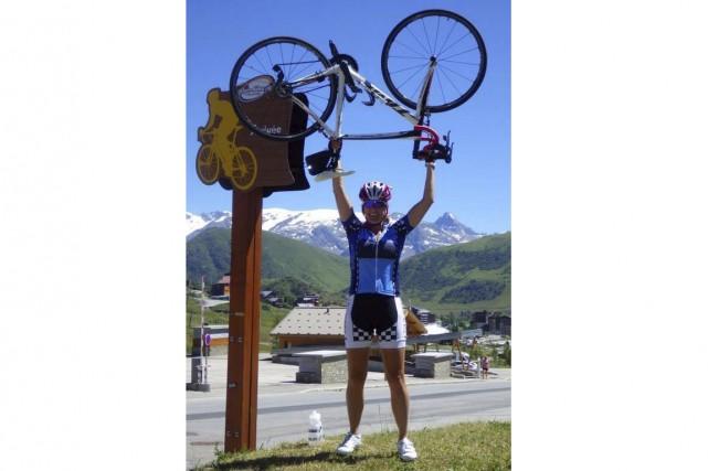 Josée Vigneault lors de sa traversée des Alpes... (Courtoisie)