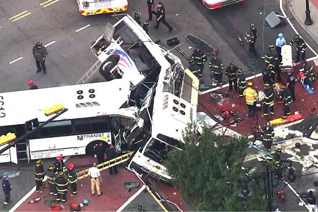 Un autobus qui n'avait à ce moment que... (PHOTO FOX6 NEWS)