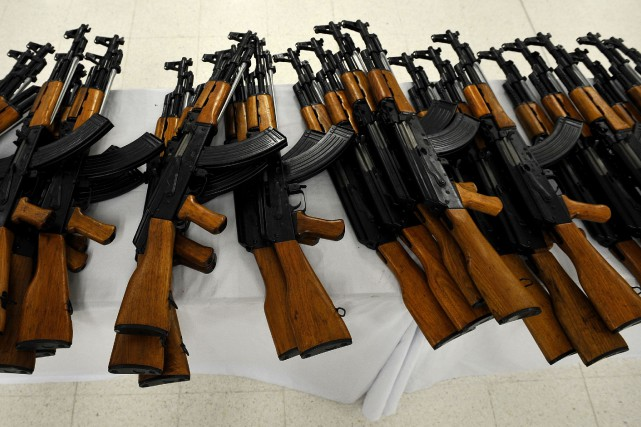 Des AK-47... (Photo Luis Robayo, archives AFP)