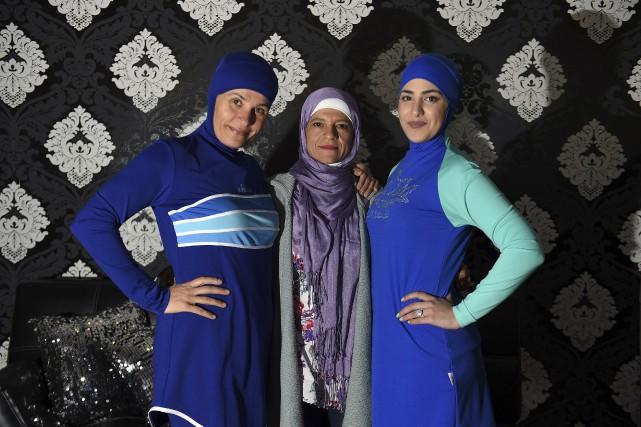 La créatrice du burkini, Aheda Zanetti (au centre),... (AFP)