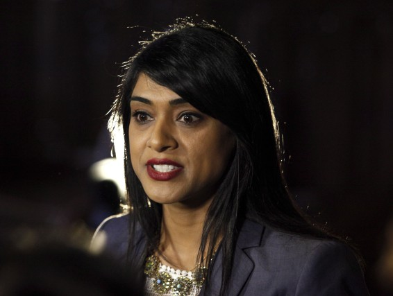 La députée ontarienne d'origine sikhe Bardish Chagger succède... (THE CANADIAN PRESS)