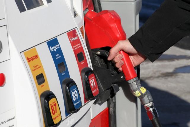 Le prix de l'essence a chuté de 14... (Archives)