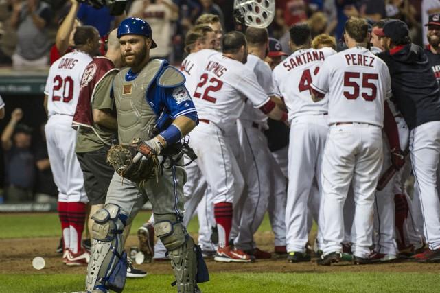 Russell Martin quitte le terrain après le point... (Phil Long, Associated Press)