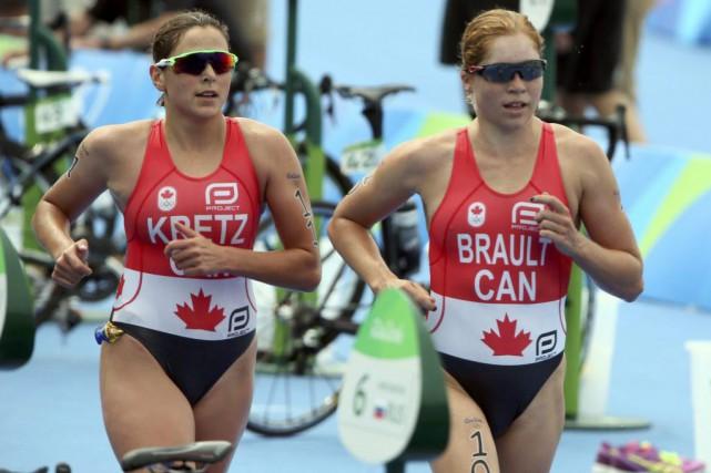 Amélie Kretz et Sarah-Anne Brault... (PHOTO ADREES LATIF, REUTERS)