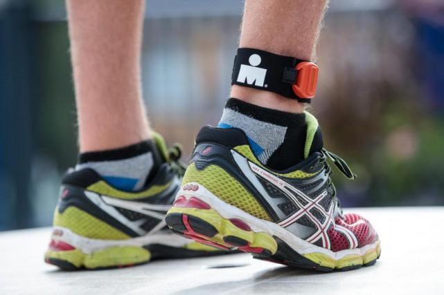 Lors d'un triathlon Ironman, chaque participant doit porter... (PHOTO HUGO-SéBASTIEN AUBERT, LA PRESSE)