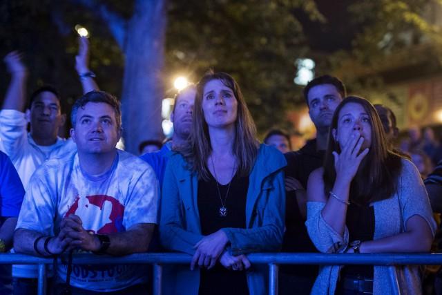 Les fans étaient émus lors de l'ultime concert... (La Presse Canadienne)
