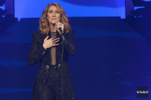 Céline Dion sur scène, au Centre Vidéotron, pour... (Le Soleil, Yan Doublet)