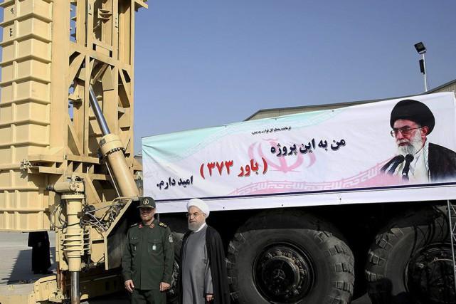 Le ministre de la Défense Hossein Dehgha etle... (Photo Agence France-Presse)