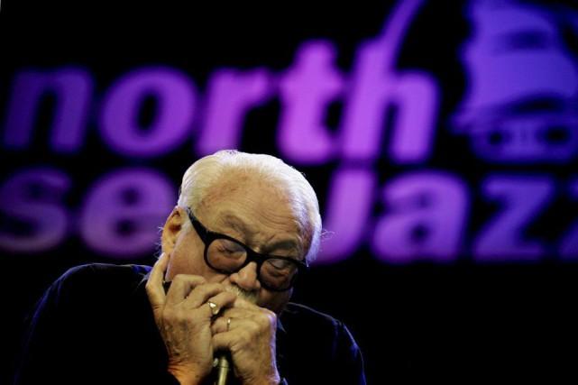 Toots Tielemans, le roi mondial de l'harmonica,lors d'un... (PHOTO RICK NEDERSTIGT, ARCHIVES AFP)