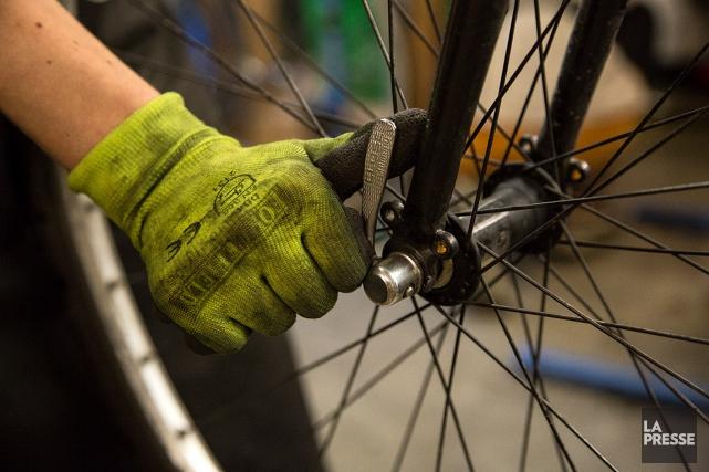 SOS Vélo recueille en moyenne près de 4000vélos... (PHOTO MATHIEU WADDELL, LA PRESSE)