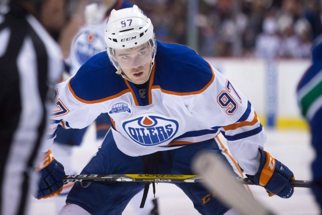 Connor McDavid a récolté 48 points en 45 matchs... (Photo Darryl Dyck, PC)