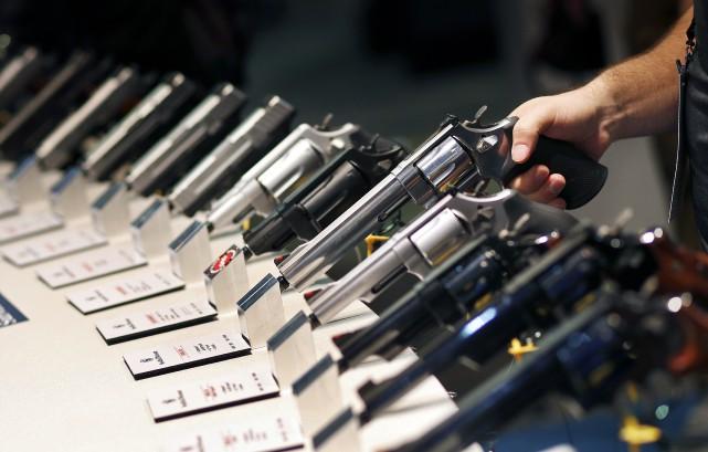 «L'utilisation des armes à feu pour assurer sa... (Associated Press)