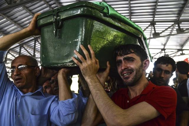 L'attentat survenu en août durant la réception d'un... (AFP, Ilyas Akengin)